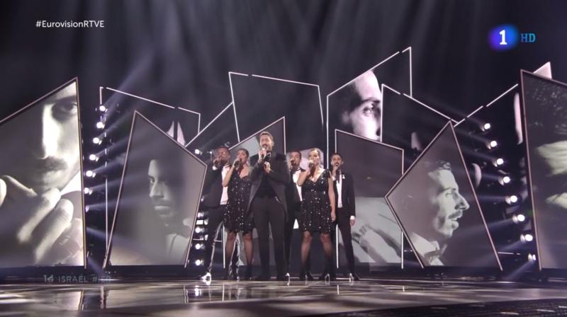 Instantes de la actuación de la anfitriona de Eurovisión 2019
