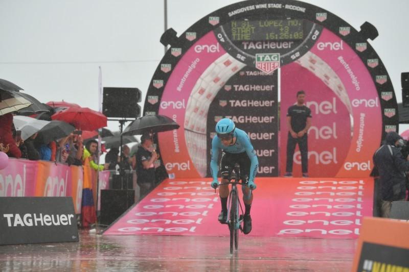 MIGUEL ÁNGEL LÓPEZ (Astana), en un día importante para mantener sus opciones de ganar el Giro de Italia 2019