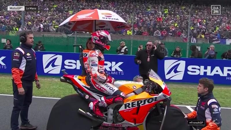 Márquez concentrado para la carrera.