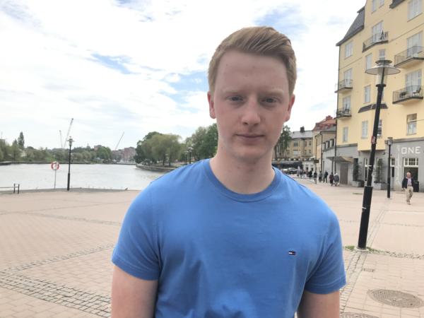 SÖDERTÄLJE: Oskar Gottfridsson är 18 år och student. Han undrar: -Kommer EU utveckla kärnkraften? Är det i så fall generation tre eller fyra?