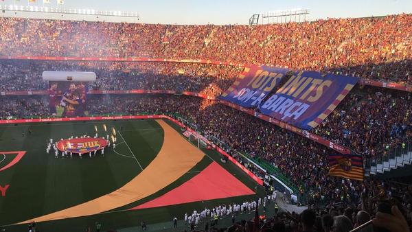 Así luce el tifo de la afición del Barça. (Foto: Roger Torelló)