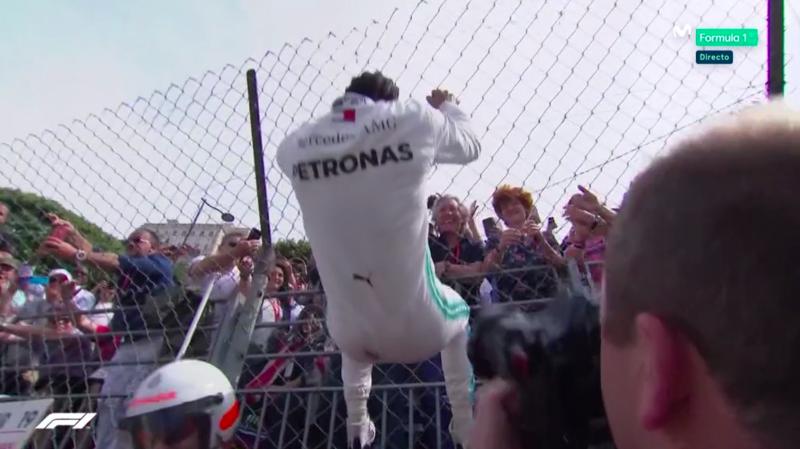 Hamilton eufórico con la pole en Mónaco.