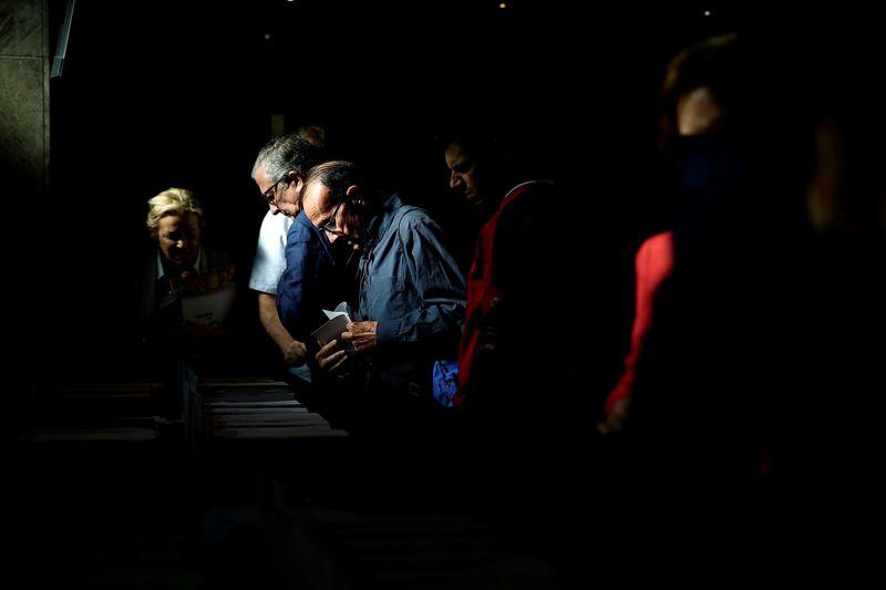 Sube diez puntos la participación a las 14 horas en las elecciones europeas, hasta el 34,63%, frente al 23,87 % de 2015.EFE/Rodrigo Jiménez