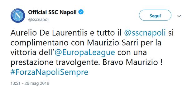 Al fischio finale, anche il Napoli si è complimentato con Maurizio Sarri per la sua vittoria