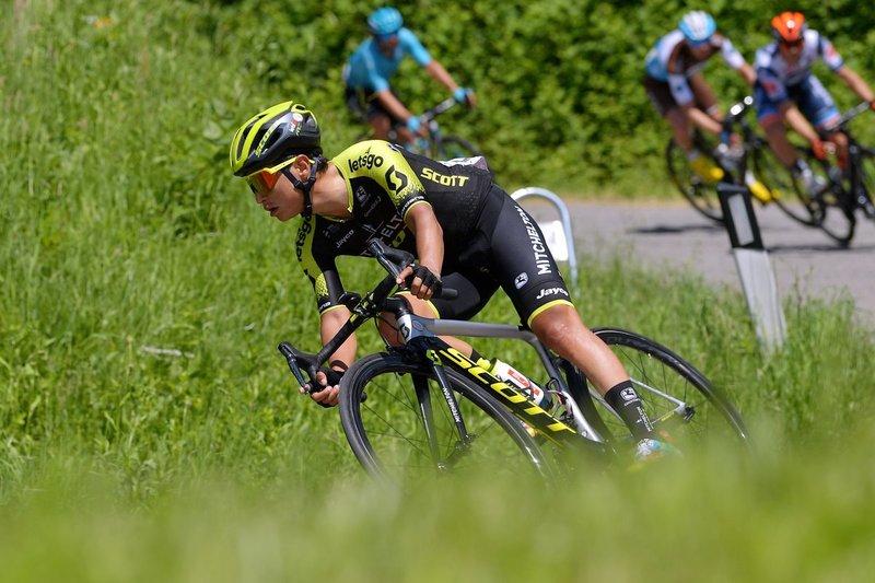 CHAVES (Mitchelton Scott) en la fuga del día en el Giro de Italia
