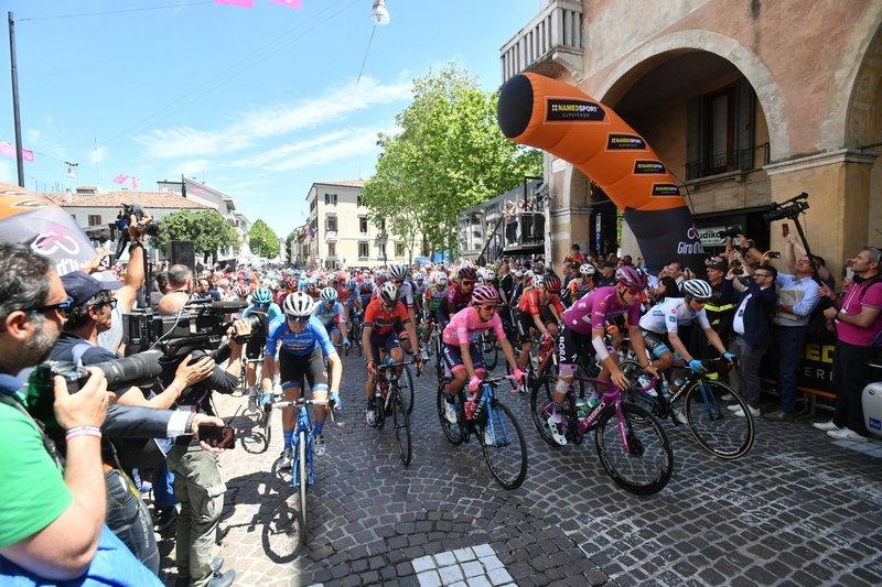 SALIDA neutralizada en Treviso en esta 19ª etapa del Giro de Italia 2019