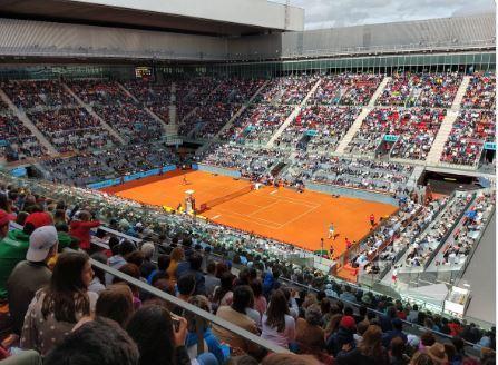 La central de la Caja Mágica, el Estadio Manolo Santana, llena para ver el estreno de Rafa Nadal en esta edición 2019 del Mutua Madrid Open.