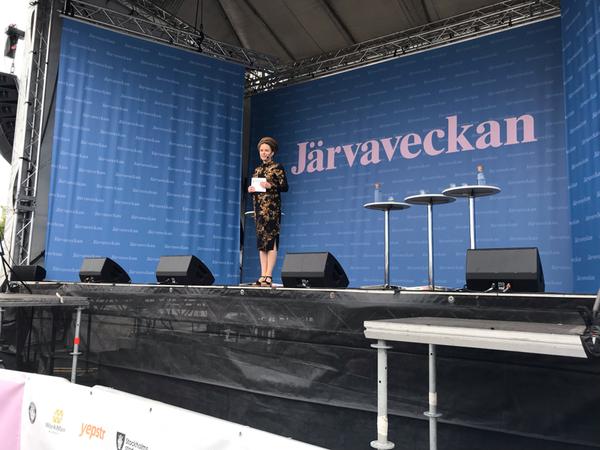 """""""Vi får aldrig ta demokratin för given"""" säger kultur- och demokratiminister Amanda Lind (MP)."""