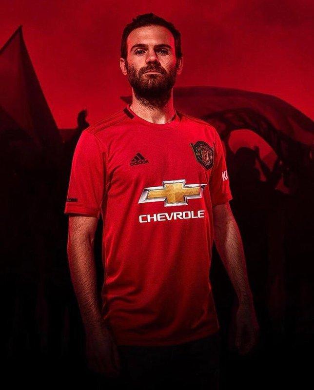 Juan Mata seguirá en el Manchester United