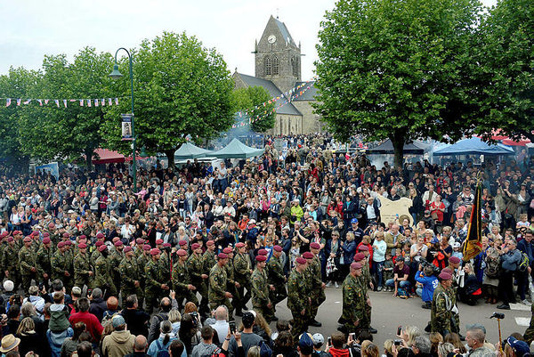 75ème anniversaire du débarquement de Normandie 1796b87d-dec7-49f3-ad08-b0f99d36c267