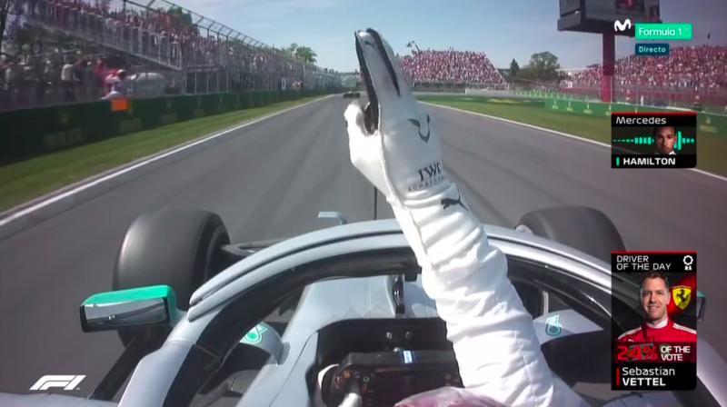 Hamilton celebrando la victoria.