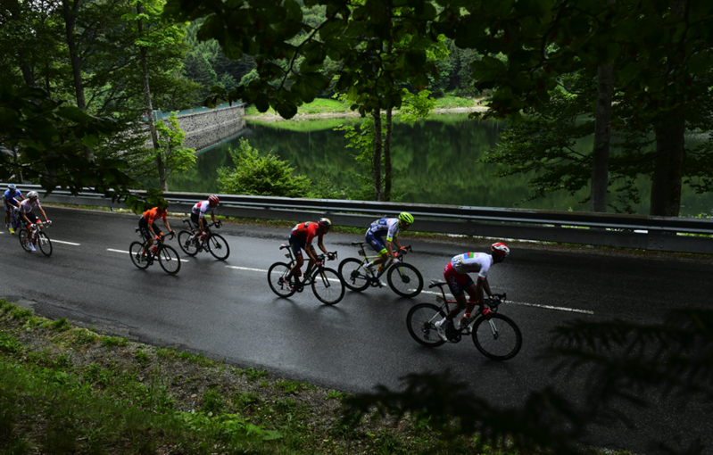 Los escapados del día en el Tour, trabajando para que De Gendt no se les escape definitivamente