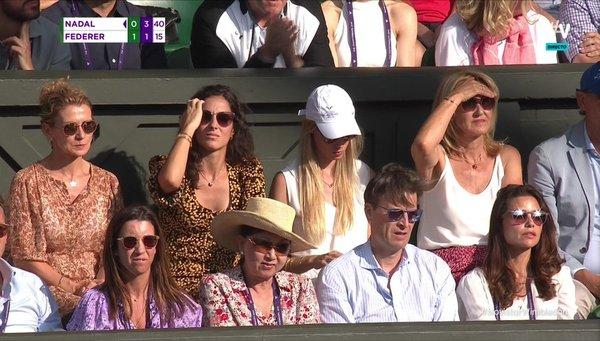 Las familiares de Rafa Nadal, en uno de los box de la Central de Wimbledon