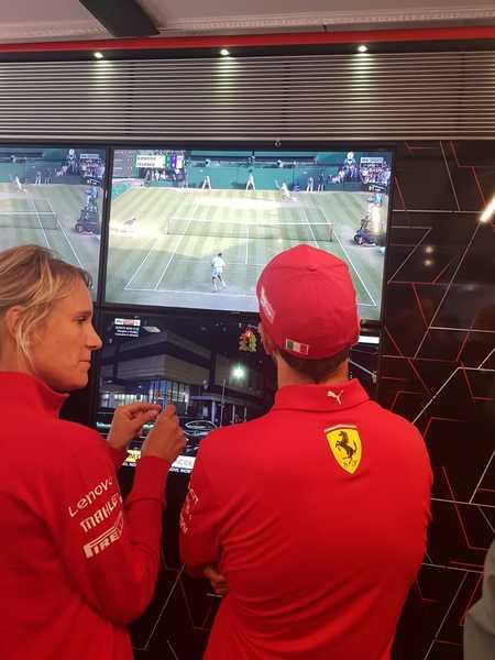 Intanto a Silverstone anche Sebastian Vettel si gode lo show della finale