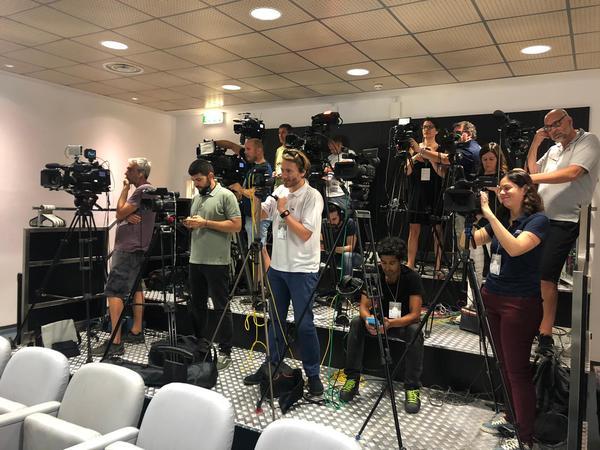 Sono 15 le telecamere già predisposte per non perdersi neanche una parola dell'olandese