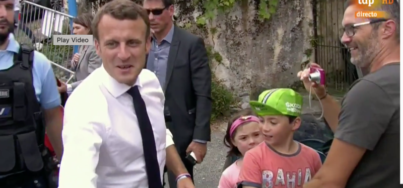 Emmanuel Macron seguirá la etapa de hoy desde el coche de dirección de carrera