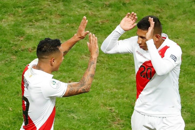 Así celebraban el segundo gol de Perú.