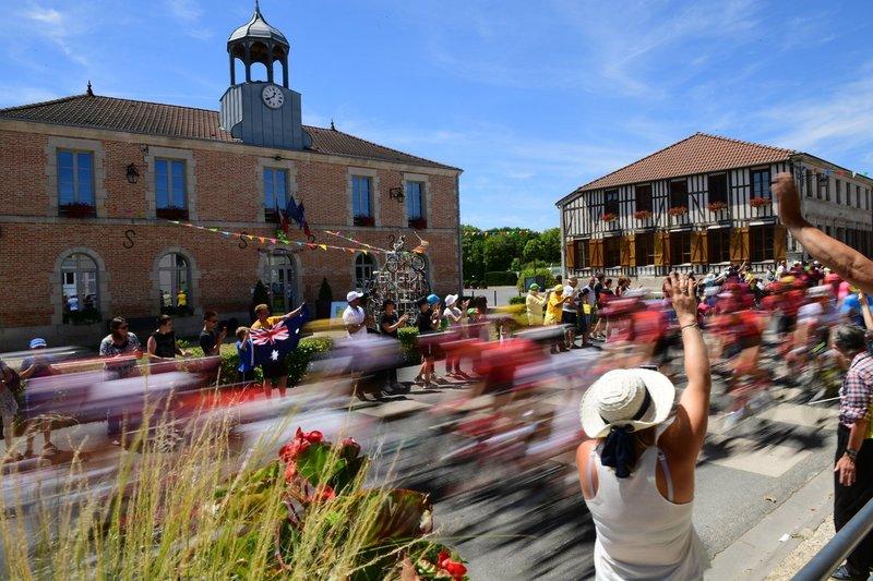 La afición respalda el paso del Tour de Francia un año más