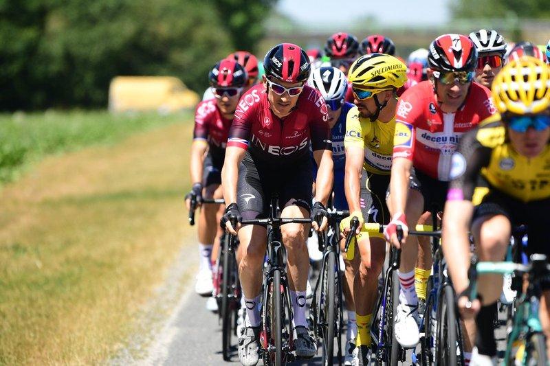 Geraint Thomas, ganador del Tour 2018, charla con el líder del Tour 2019: Julian Alaphilippe
