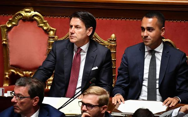 Conte al senato su crisi di governo salvini e renzi for Oggi parlamento diretta