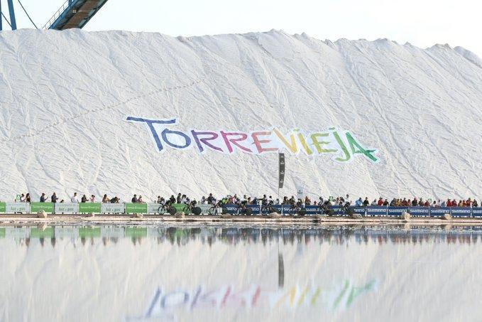 LAS SALINAS DE TORREVIEJA, protagonistas de la salida de la Vuelta a España