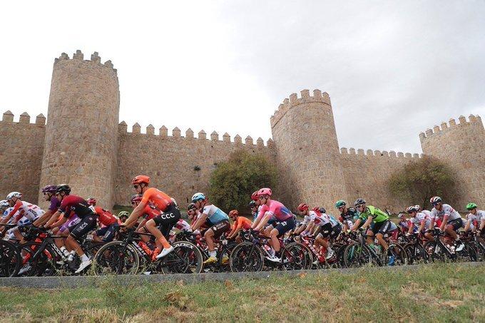 ÁVILA y sus murallas, escenario de la salida de esta etapa de la Vuelta a España 2019
