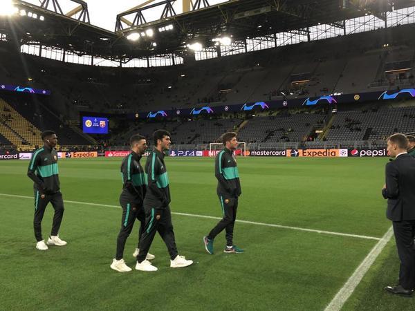 Los jugadores del Barça ya están en el estadio del Borussia Dortmund FOTO: MANEL MONTILLA