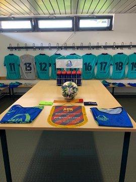 Las camisetas, preparadas en el vestuario del Barça