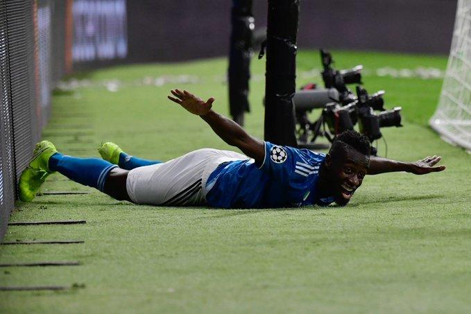 Así celebró Matuidi su gol, volando sobre el césped. (FOTO: @ChampionsLeague)