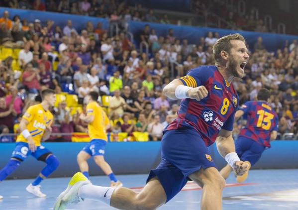 Víctor Tomàs celebra un gol contra el Celje