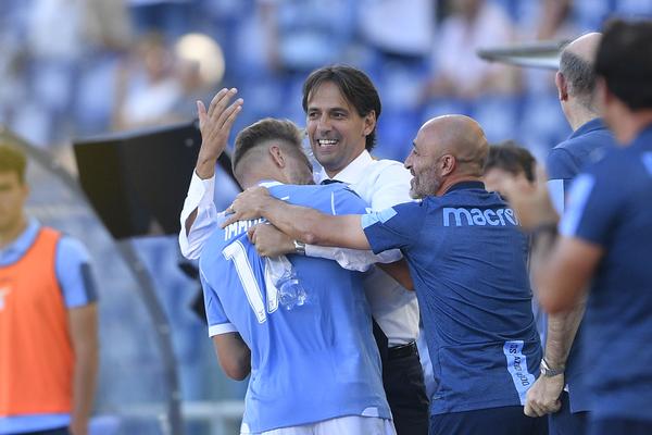 Ecco la foto della partita: l'abbraccio Ciro Immobile-Simone Inzaghi