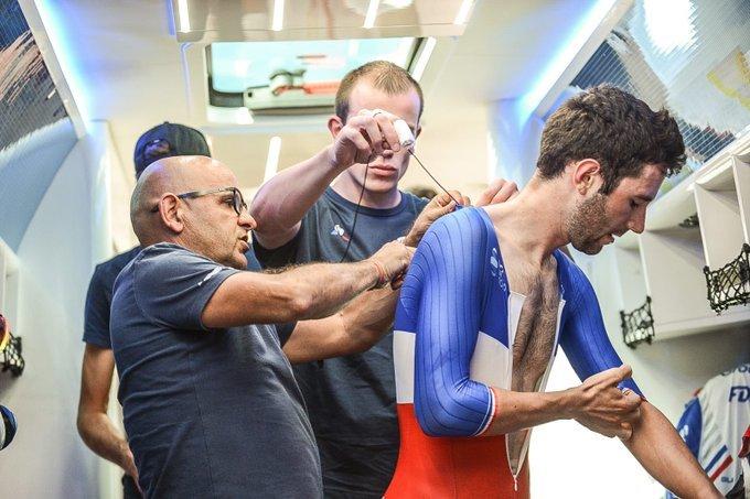 BEN THOMAS (Groupama-FDJ) compite con el maillot de campeón de Francia
