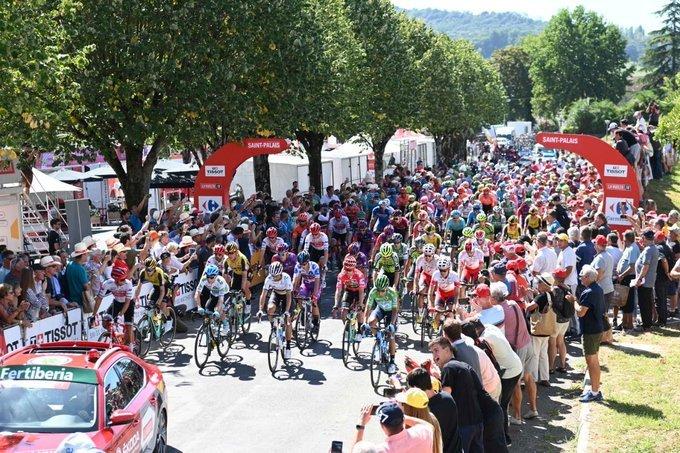 Salida de la Vuelta a España en Saint-Palais