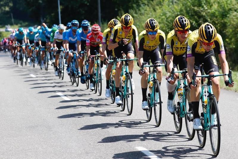 JUMBO VISMA marca el ritmo del pelotón de la Vuelta a España 2019