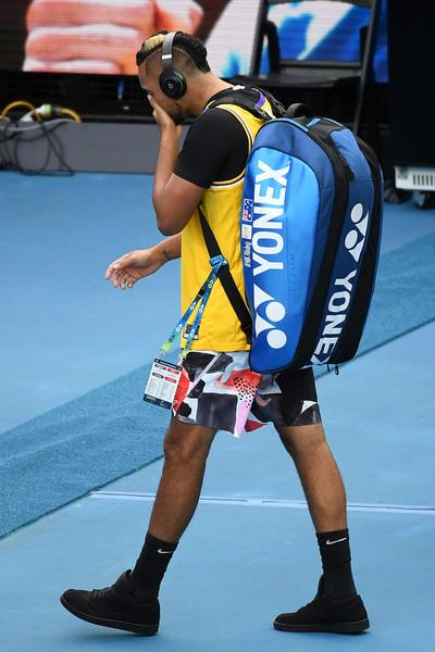 Kyrgios, dolor y homenaje en recuerdo de Kobe Bryant FOTO: EFE