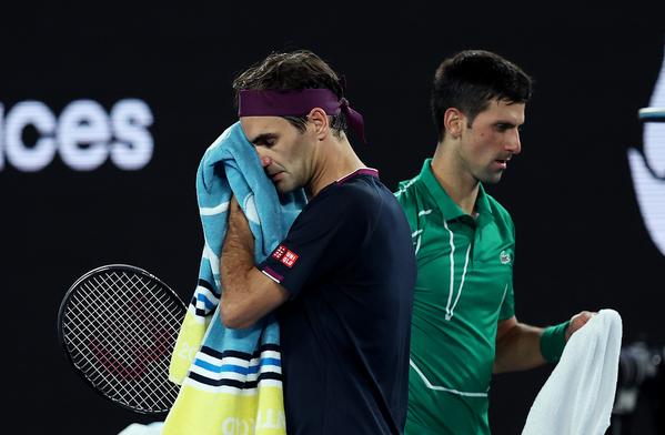 Primera semifinal del Open de Australia, entre dos hombres que reúnen 13 títulos, 7 Djokovic y 6 Federer FOTO: GETTY