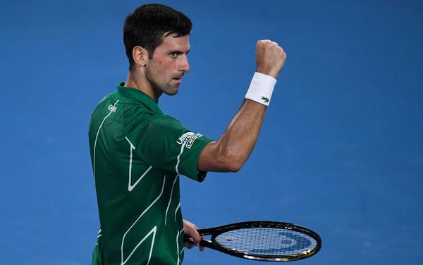 L'esultanza di Djokovic per il successo in semifinale con Federer (Getty)