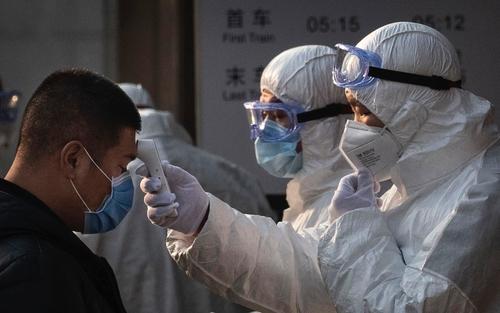 coronavirus il bus con i turisti cinesi scortato dopo la tappa a sorrento
