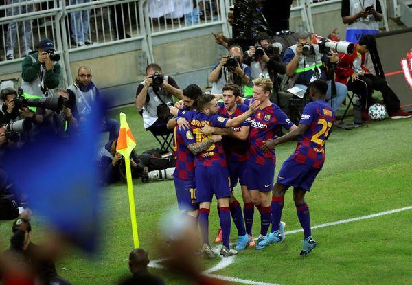 Euforia en el Barça tras darle la vuelta al marcador en pocos minutos