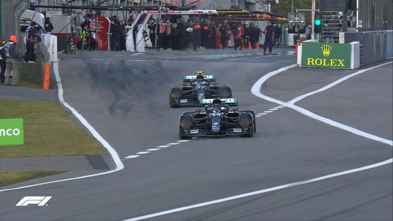 Los dos Mercedes, los primeros en salir a pista en esta Q2.