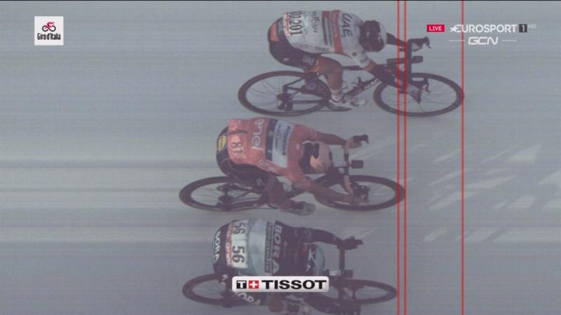 FINAL AJUSTADO en la 13ª etapa del Giro