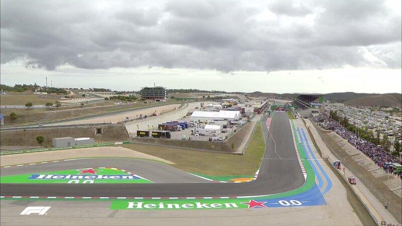 Se está tapando el día en Portimao, y los radares muestran manchas de lluvia, aunque aún lejos del circuito. No vamos a dar falsas esperanzas de que llueva, que en la F1 ya sabemos como suele acabar la cosa...