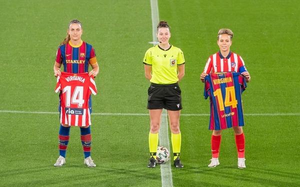 Todas con Virginia Torrecilla, ex jugadora de Barça, hoy en el Atlético FOTO: FCB