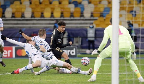 Coutinho se ha echado al equipo a la espalda durante la primera parte, aunque no encontró el gol FOTO: EFE
