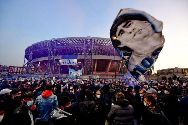 Así está Nápoles para despedir a Maradona. Estadio San Paolo, próximamente Estadio Diego Armando Maradona