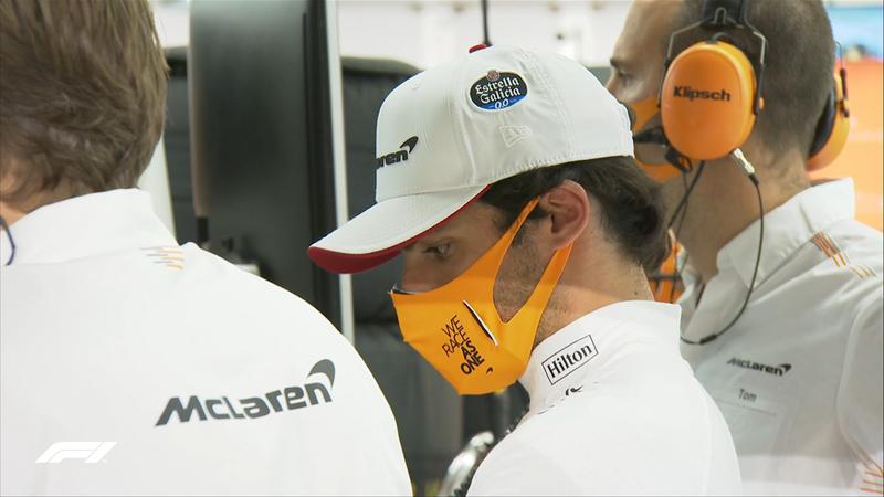 Carlos Sainz, en el garaje. El de McLaren saldrá mañana decimoquinto.