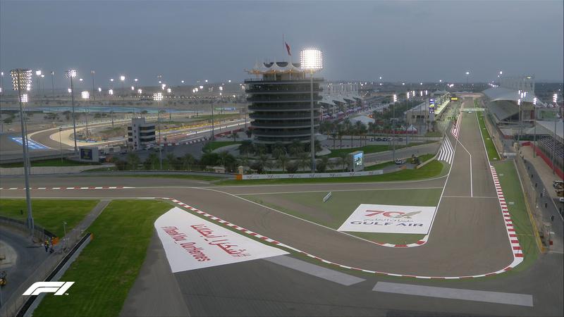 Cae el sol en Bahrein, se encienden las luces. Todo listo para que empiece la Qualy.