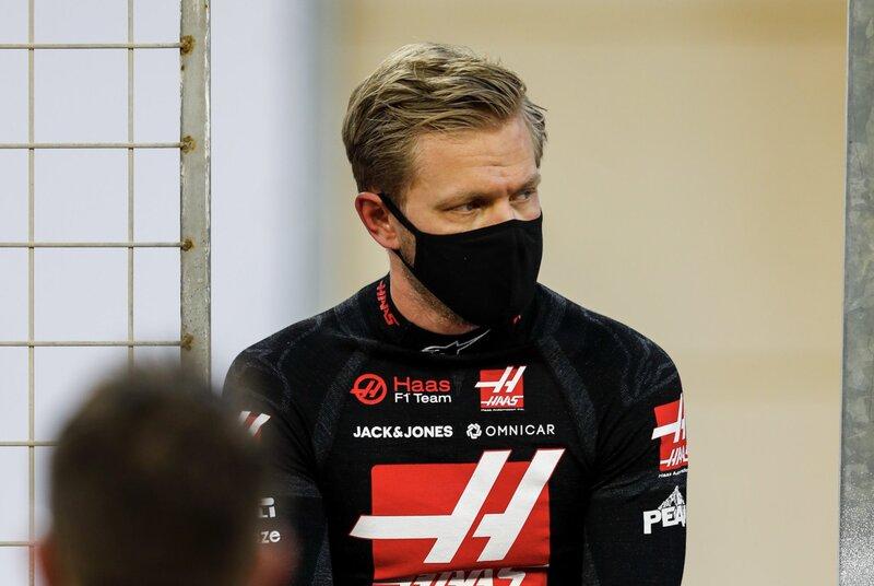 No debe ser nada fácil... pero es momento de volver a subirse al monoplaza. Para el compañero de Grosjean, Magnussen, no debe ser nada fácil. (@HaasF1Team)