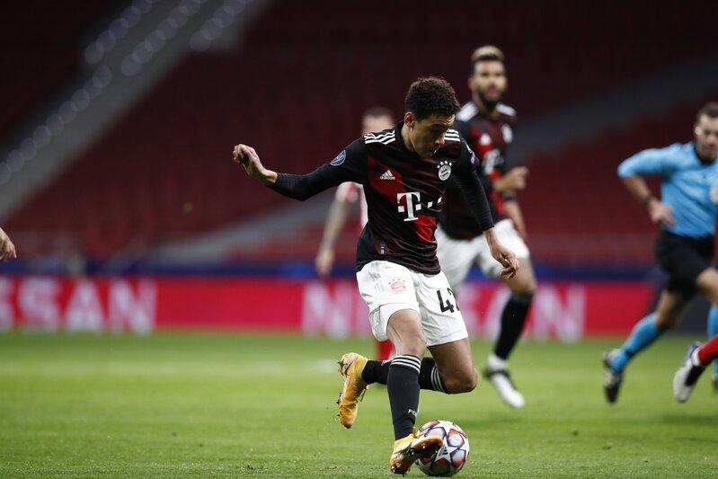 Apunten el nombre de este chaval de 17 años, Musiala. Magia. (FOTO: @FCBayern)