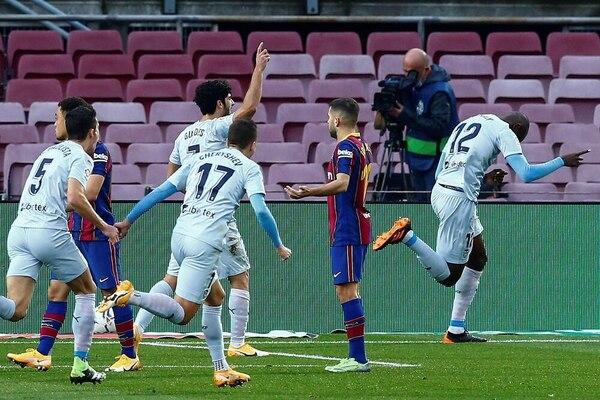 Diakhaby celebra su gol, con el que adelantó al Valencia FOTO: EFE